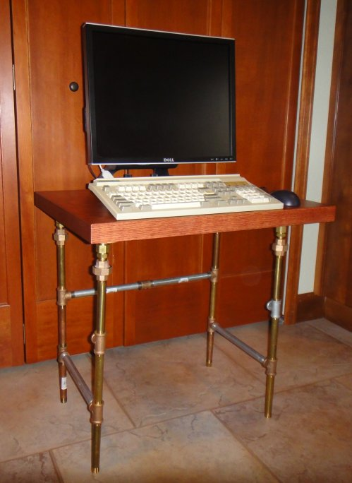 SteampunkComputerTable2-500Wide.jpg